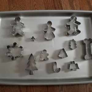 Christmas cookie cutters w/ pan